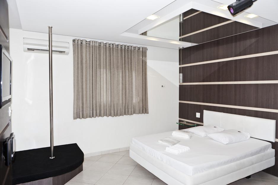 22love-hotels-2010_photographs