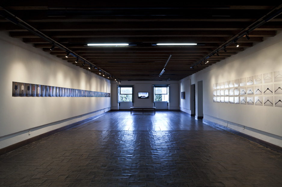 2dads-suicide-2007-2011_installation-view