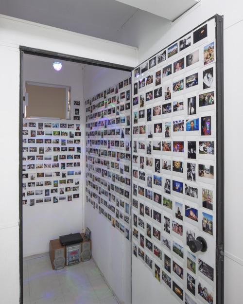 33its-all-related-2015_installation-view